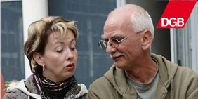 Senioren-Pärchen im Gespräch